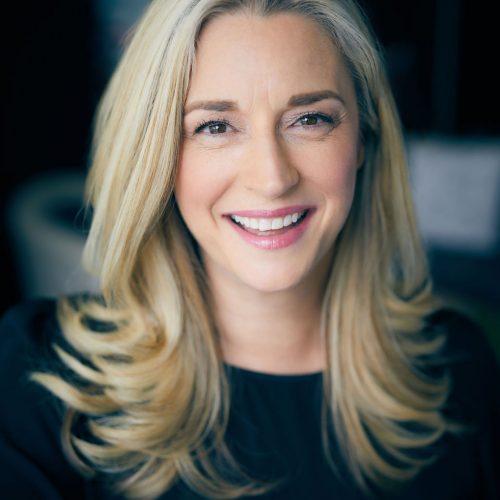 Lauren Brett smiling